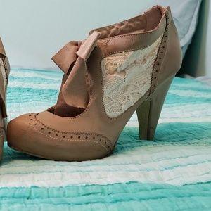 Vintage Tea Lace Heels